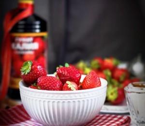 Чем подкормить ремонтантную клубнику во время осеннего плодоношения?